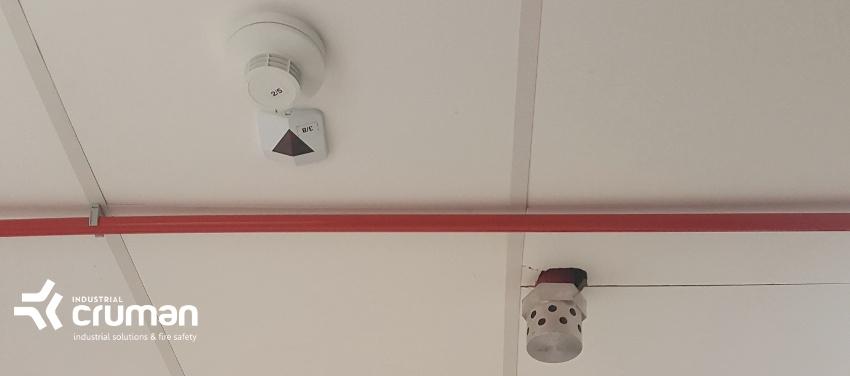 Detectie cu detectoare de fum, temperatura